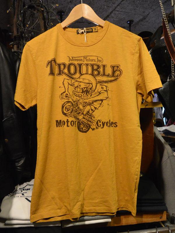 画像1:  Johnson Motors'Inc TROUBLE FINED S/S tee ジョンソンモータース半袖TシャツSAND YELLOW