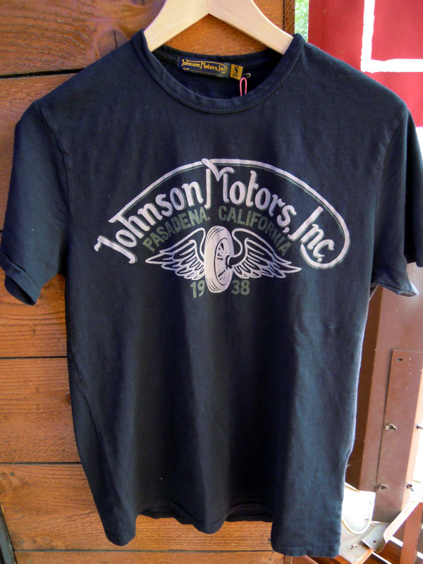 画像1: Johnson Motors'Inc WINGED WHEEL S/S tee OILED BLACK ジョンソンモータース 半袖Tシャツ