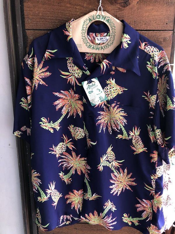 "画像1: SUN SURF サンサーフ アロハシャツ S/S ""STUDDED WITH PALM TREE AND PINEAPPLE"" NAVY"